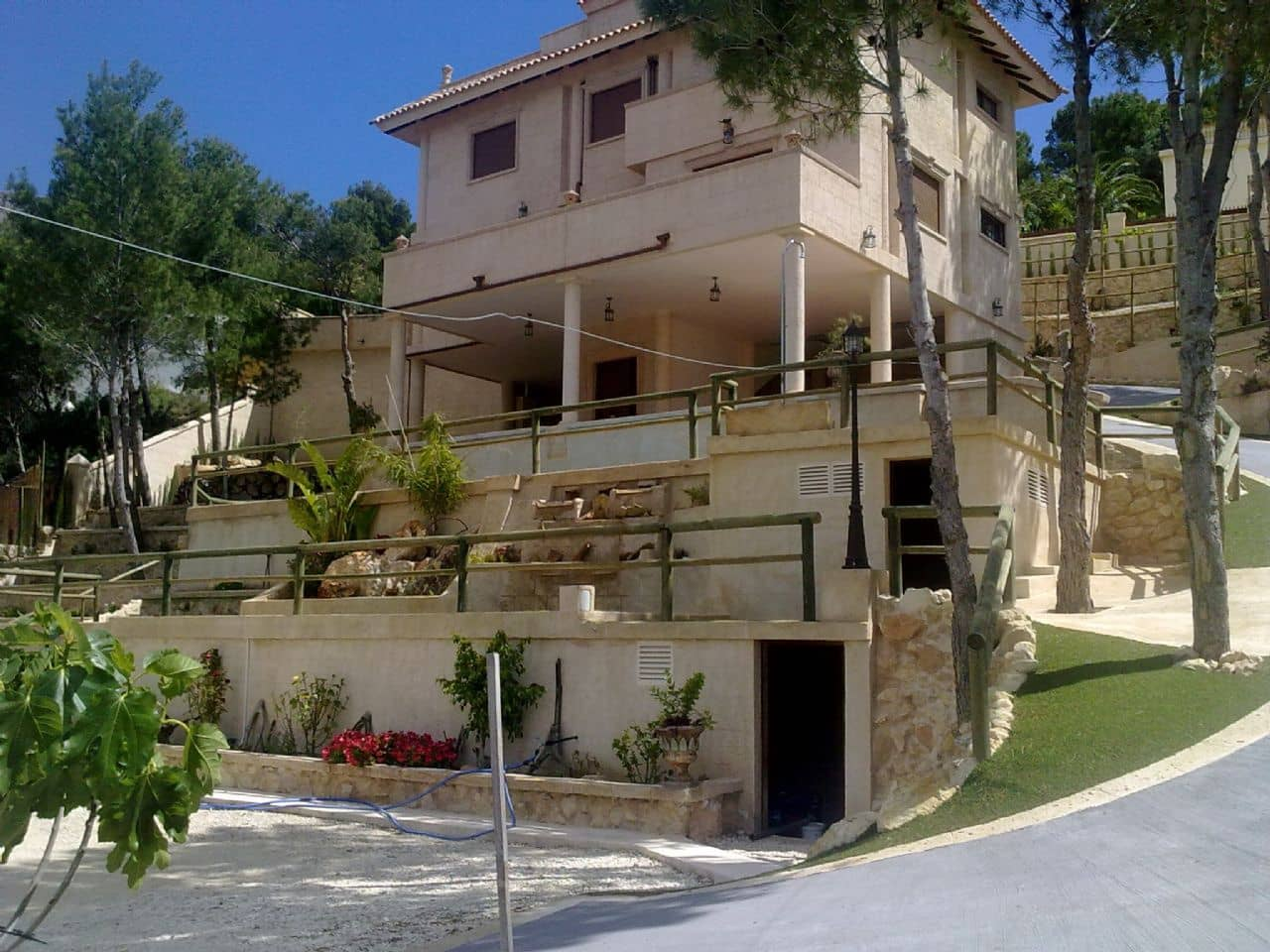 4 bedroom Villa for sale in Altea la Vella with pool garage - € 750,000 (Ref: 3099584)