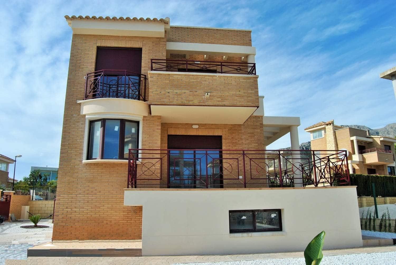 Chalet de 3 habitaciones en Polop en venta - 270.000 € (Ref: 4447633)