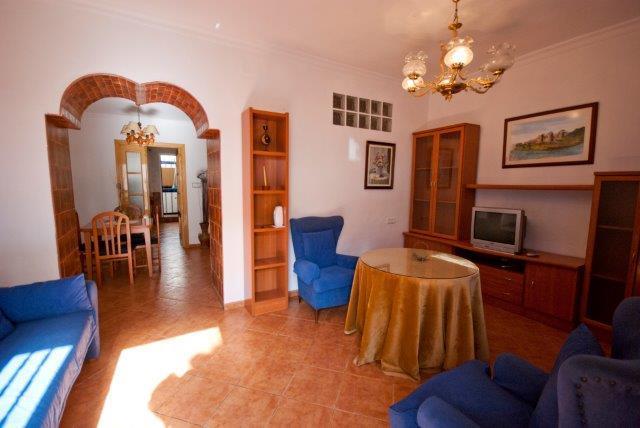 2 bedroom Villa for sale in Velez-Malaga - € 90,000 (Ref: 3673354)