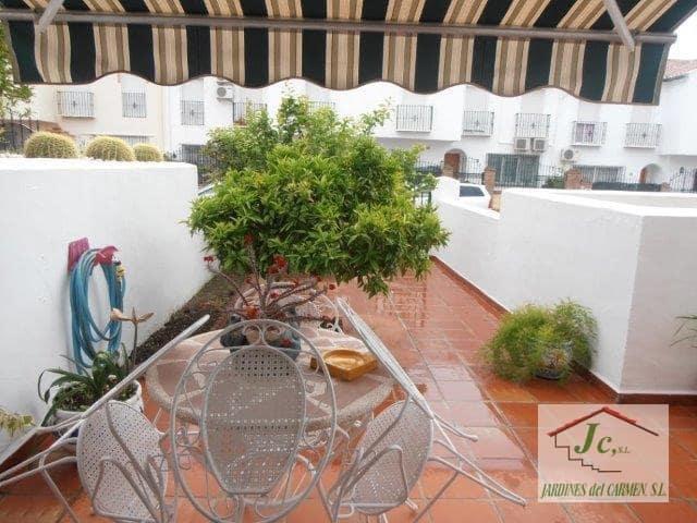 4 slaapkamer Villa te huur in Velez-Malaga - € 750 (Ref: 4669036)