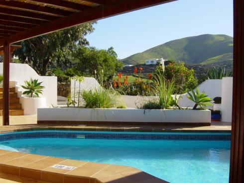 10 sovrum Företag till salu i La Vegueta med pool - 1 500 000 € (Ref: 3798612)