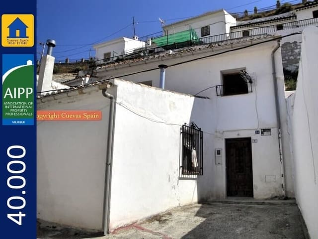 4 bedroom Cave House for sale in Galera - € 40,000 (Ref: 3294763)