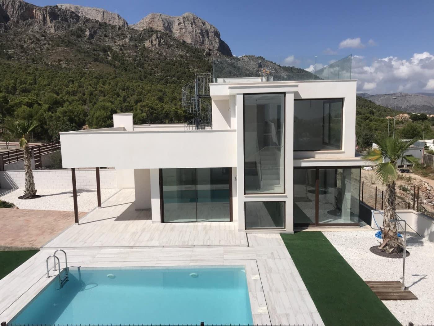 Chalet de 3 habitaciones en Polop en venta con piscina - 398.000 € (Ref: 4902921)