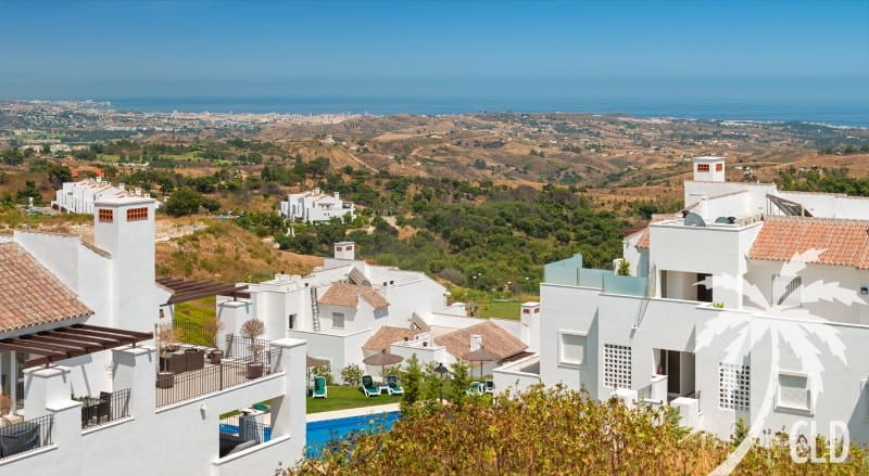 3 bedroom Penthouse for sale in Marbella with pool - € 350,000 (Ref: 4903062)