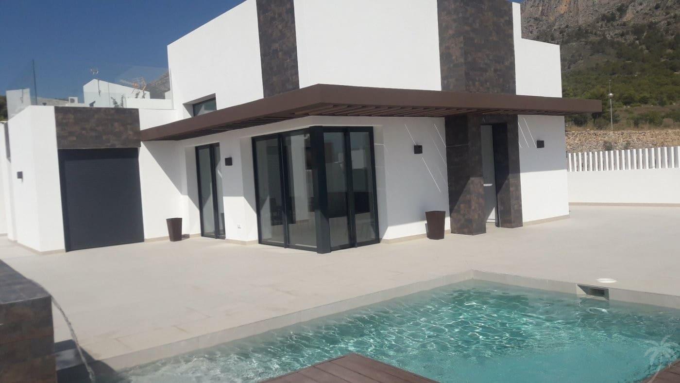 Chalet de 3 habitaciones en Polop en venta con piscina - 309.000 € (Ref: 4946725)