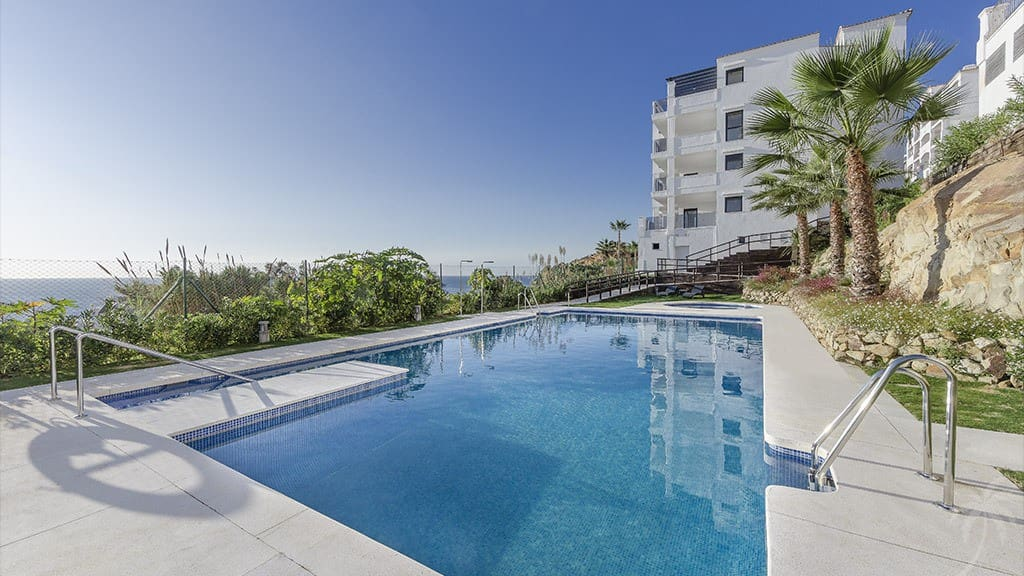 3 bedroom Apartment for sale in Manilva with pool - € 249,000 (Ref: 5014803)