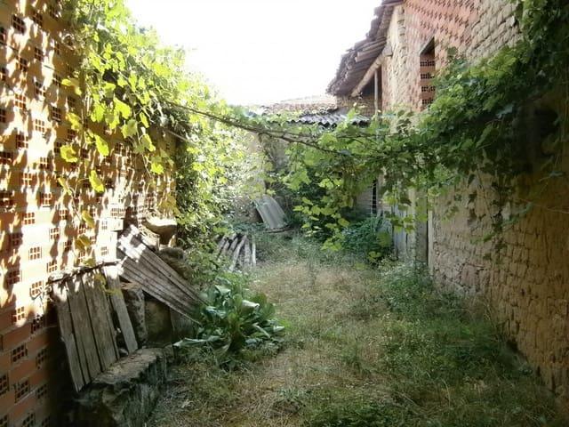 3 soverom Villa til salgs i Villanueva de Campean med garasje - € 50 000 (Ref: 4170442)