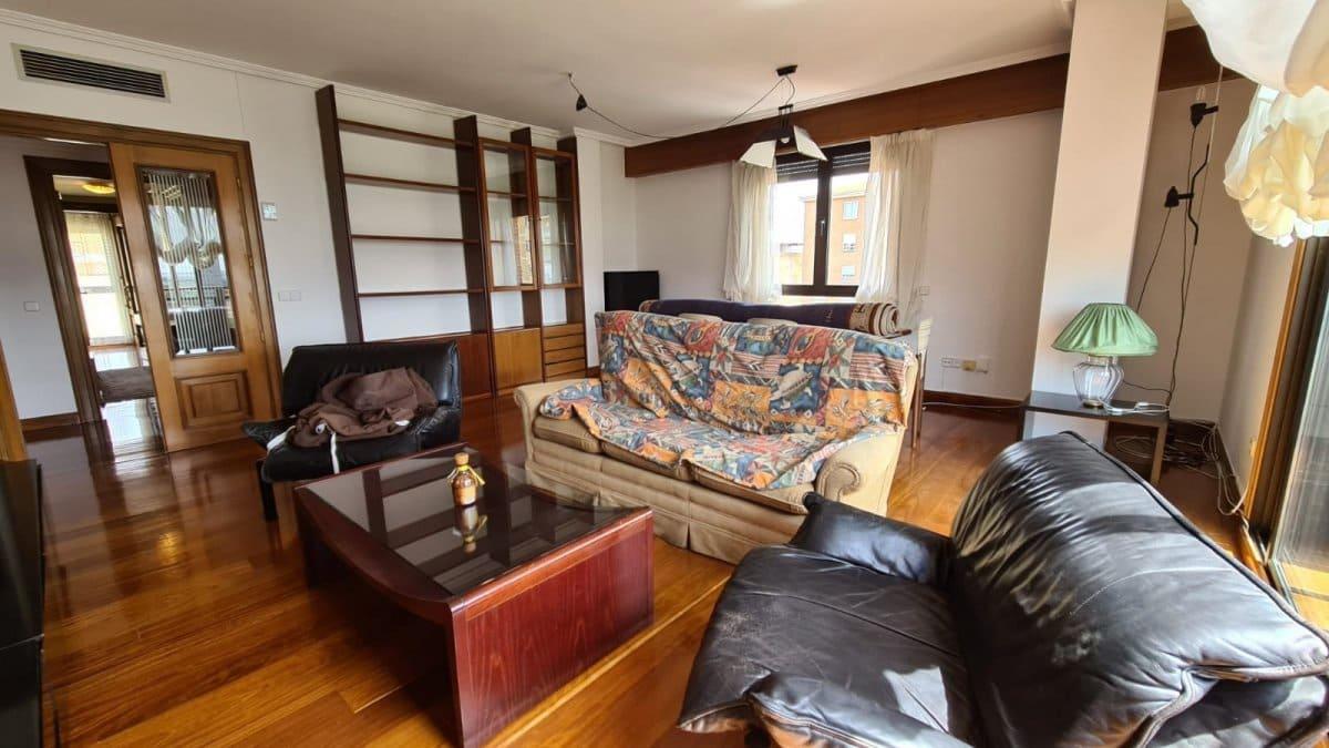 4 slaapkamer Flat te huur in Zamora stad - € 800 (Ref: 5135415)
