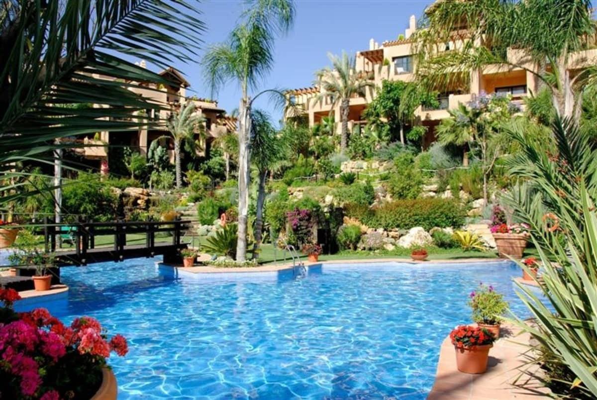 Apartamento de 3 habitaciones en Atalaya-Isdabe en venta con piscina garaje - 345.000 € (Ref: 4457449)