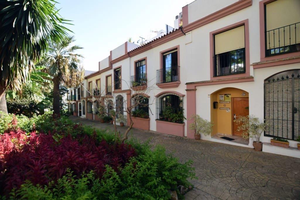 4 soveværelse Byhus til leje i Cancelada med garage - € 1.500 (Ref: 4498169)