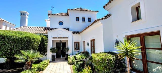 4 bedroom Villa for holiday rental in Estepona with pool garage - € 2,450 (Ref: 5376152)