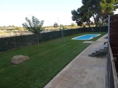 4 bedroom Terraced Villa for sale in Lleida city with garage - € 245,000 (Ref: 5403480)