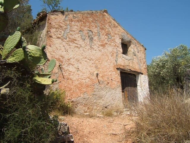 Teren niezagospodarowany na sprzedaż w Alfara de Carles - 46 000 € (Ref: 3202757)