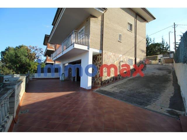 5 bedroom Villa for sale in Sant Vicenc dels Horts with garage - € 570,000 (Ref: 4506319)