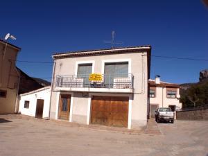 3 Zimmer Haus zu verkaufen in Una - 156.000 € (Ref: 1934289)