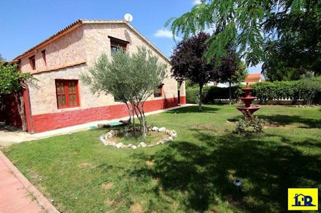 5 soverom Villa til salgs i Arcas del Villar - € 295 000 (Ref: 1934534)