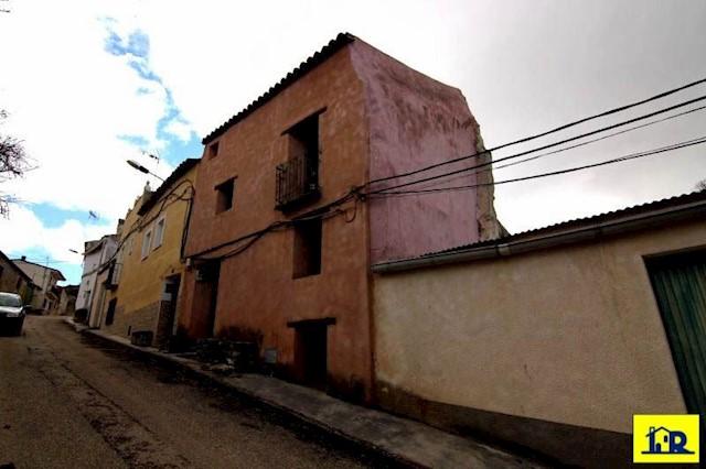 4 soverom Hus til salgs i Huete - € 84 900 (Ref: 3863291)