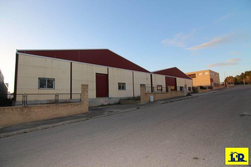 Commercial à vendre à Montalbo - 152 000 € (Ref: 4497409)