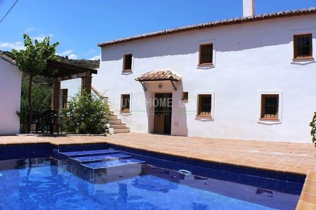 3 chambre Finca/Maison de Campagne à vendre à Comares avec piscine - 169 000 € (Ref: 4454475)