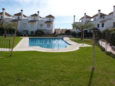3 bedroom Townhouse for sale in Torre del Mar with pool - € 210,000 (Ref: 4454510)