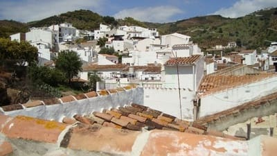 Apartamento de 2 habitaciones en Benamargosa en venta - 66.000 € (Ref: 4454600)