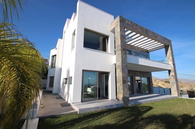 4 soveværelse Villa til salg i Montiboli med swimmingpool garage - € 1.550.000 (Ref: 4020996)