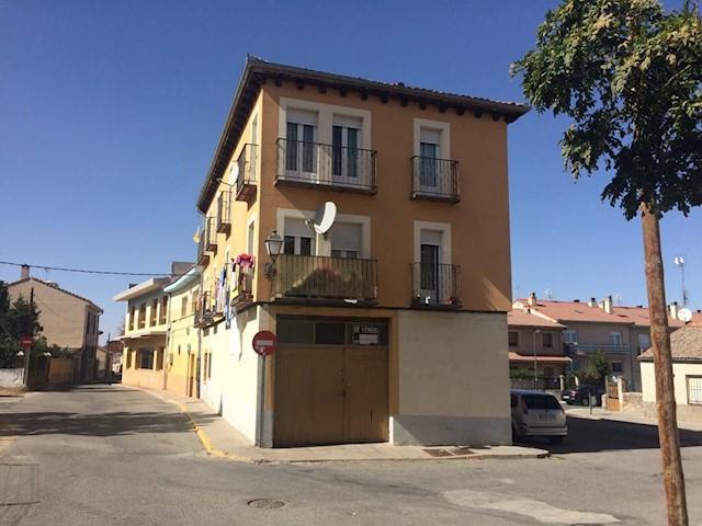 Local Commercial à vendre à San Cristobal de Segovia - 105 000 € (Ref: 1729510)