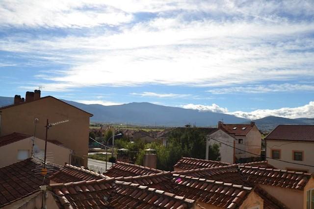 3 bedroom Apartment for sale in San Cristobal de Segovia - € 85,000 (Ref: 3680627)
