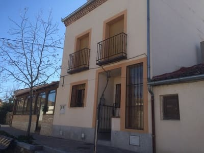 4 bedroom Townhouse for sale in San Cristobal de Segovia - € 126,000 (Ref: 4576397)