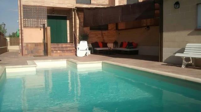 Chalet de 3 habitaciones en Fuentemilanos en venta - 190.000 € (Ref: 4576442)