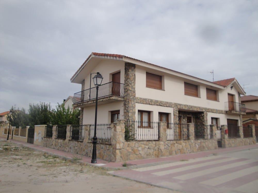 3 sovrum Villa till salu i Navas de Oro - 180 000 € (Ref: 4670271)