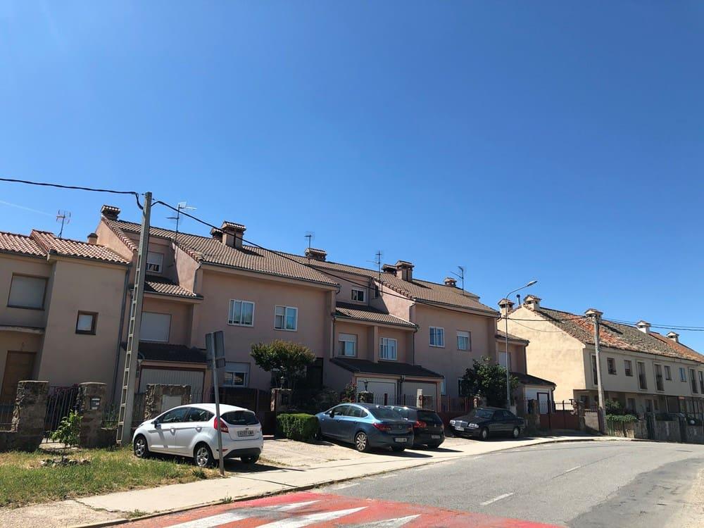 5 chambre Villa/Maison Mitoyenne à vendre à Trescasas - 159 000 € (Ref: 5371620)