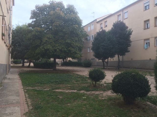 Piso de 3 habitaciones en Segovia ciudad en venta - 69.000 € (Ref: 5658667)