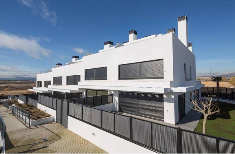 3 soverom Rekkehus til salgs i Palazuelos de Eresma - € 169 000 (Ref: 5778480)
