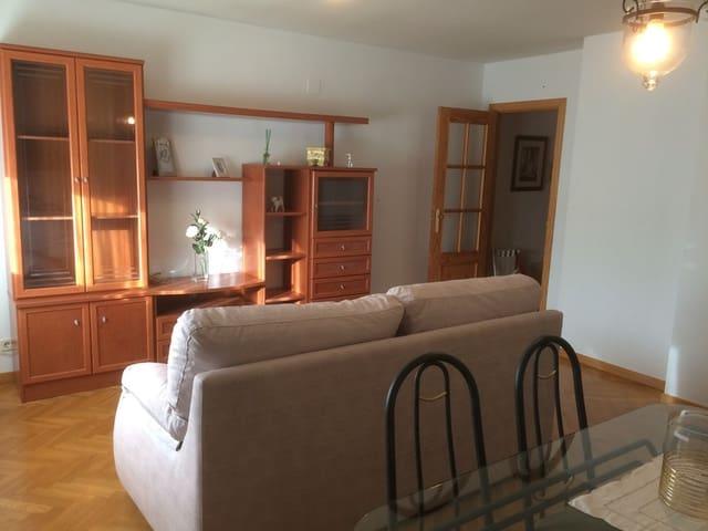 2 slaapkamer Flat te huur in La Lastrilla - € 450 (Ref: 5915537)