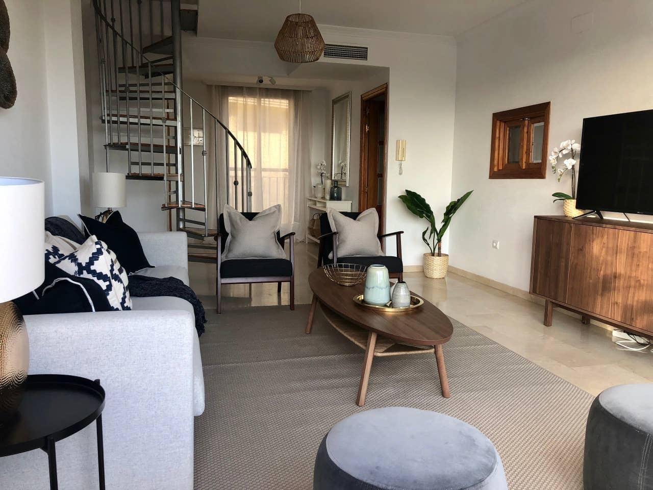 5 sypialnia Apartament do wynajęcia w Benalmadena z basenem garażem - 1 200 € (Ref: 4445299)
