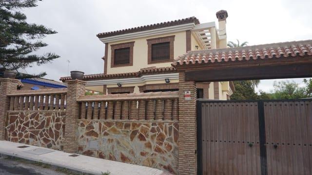 4 soverom Villa til leie i Torremolinos med svømmebasseng - € 1 800 (Ref: 5469204)