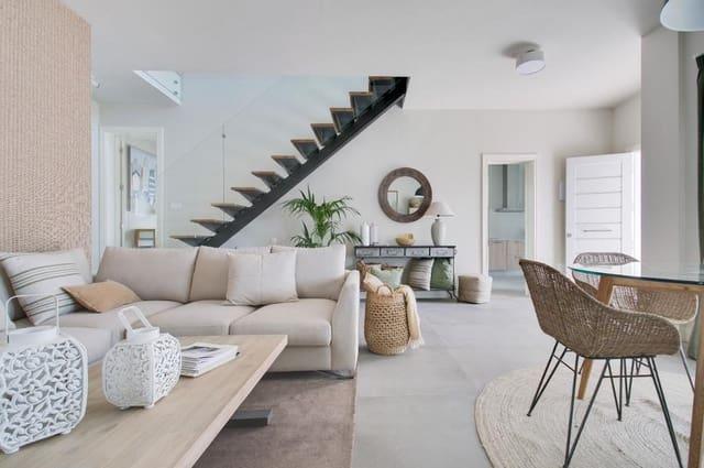3 bedroom Villa for sale in Costa Teguise - € 295,000 (Ref: 5073055)