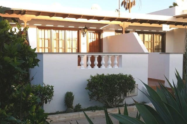 1 sovrum Bungalow till salu i Costa Teguise med pool - 175 000 € (Ref: 5382675)