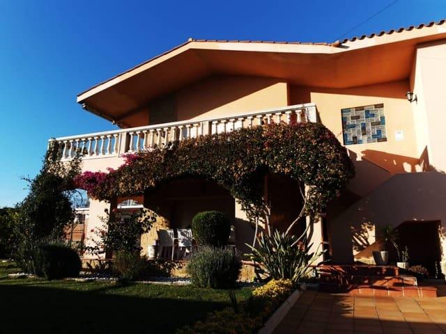 4 soveværelse Villa til salg i Calafell med swimmingpool garage - € 398.000 (Ref: 5968241)