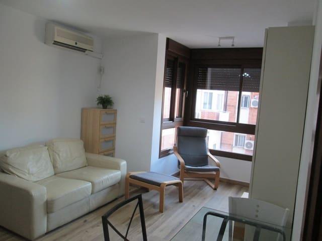 2 soveværelse Lejlighed til leje i Sevilla by - € 800 (Ref: 3520988)
