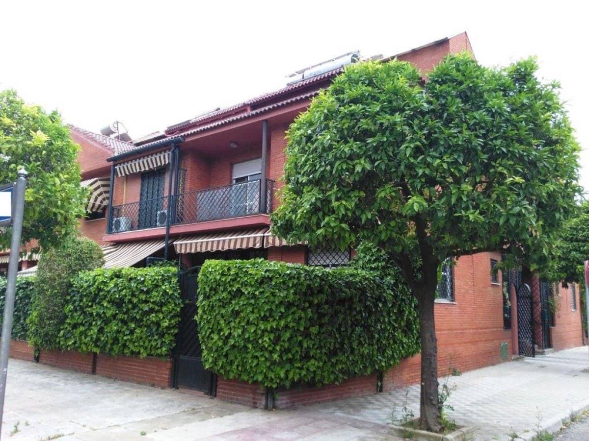 4 sovrum Radhus till salu i Sevilla stad med pool garage - 317 000 € (Ref: 3956131)