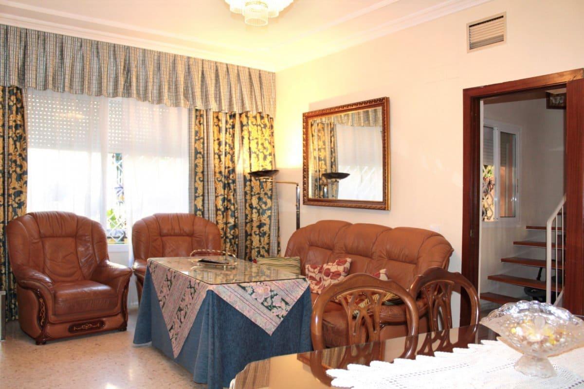 4 sovrum Radhus till salu i Sevilla stad - 243 915 € (Ref: 4605203)