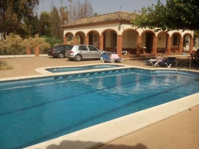 Chalet de 4 habitaciones en Cantillana en venta con piscina garaje - 230.000 € (Ref: 4766902)