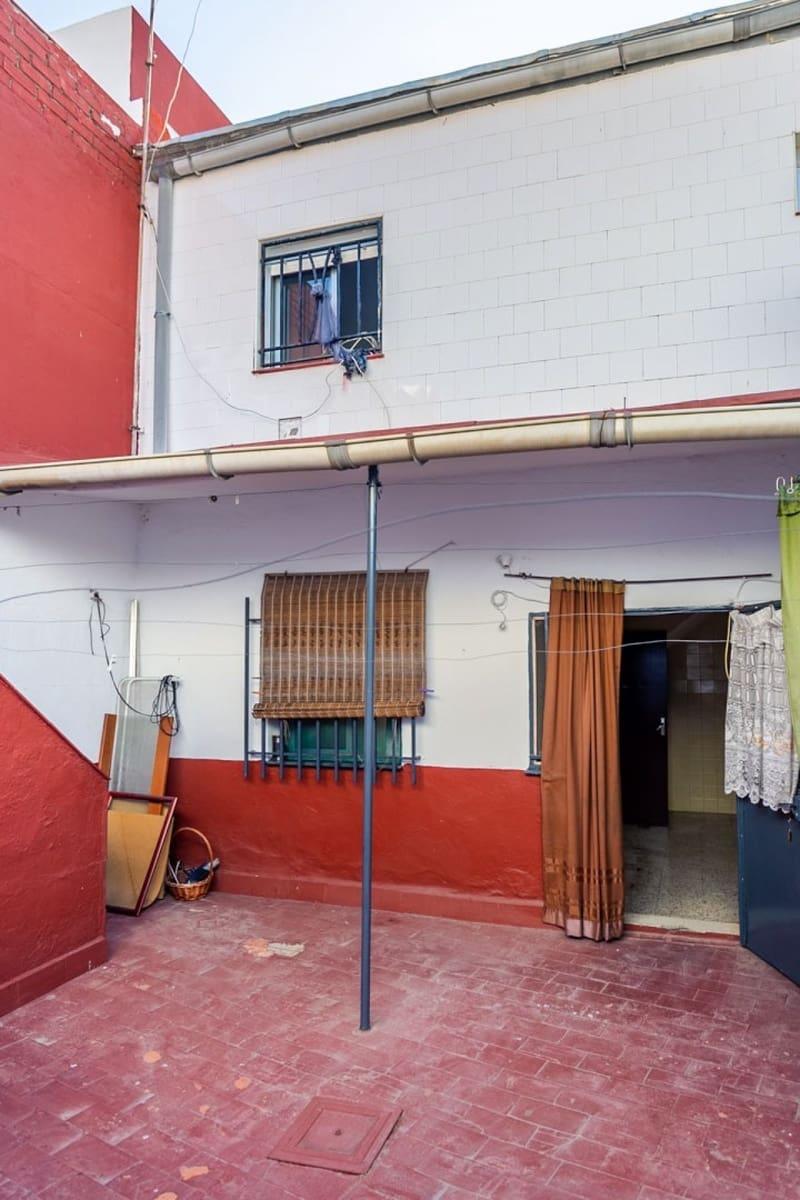 Adosado de 3 habitaciones en La Puebla del Río en venta - 75.000 € (Ref: 5536843)