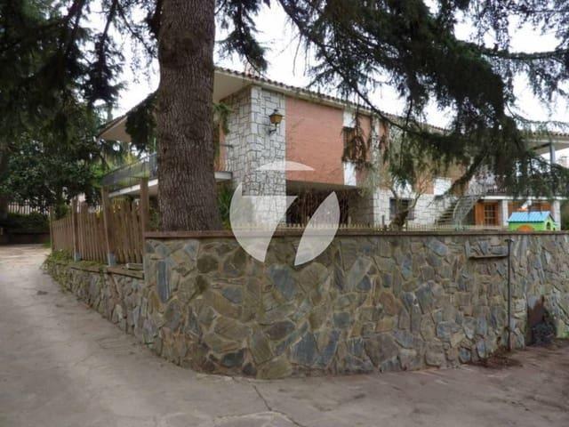7 soverom Villa til salgs i Vilanova del Valles med svømmebasseng garasje - € 450 000 (Ref: 5385132)
