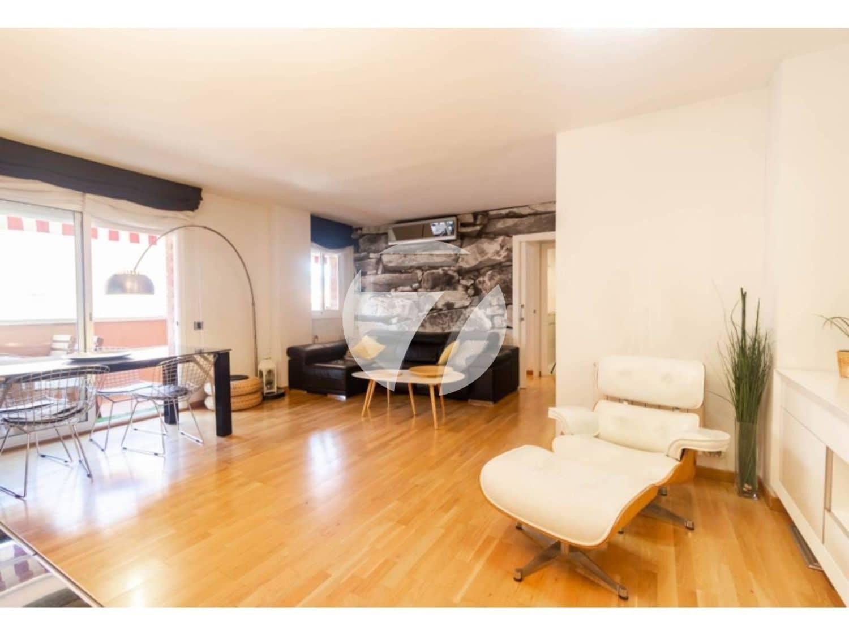 2 sovrum Takvåning till salu i Badalona med pool garage - 335 000 € (Ref: 5385218)