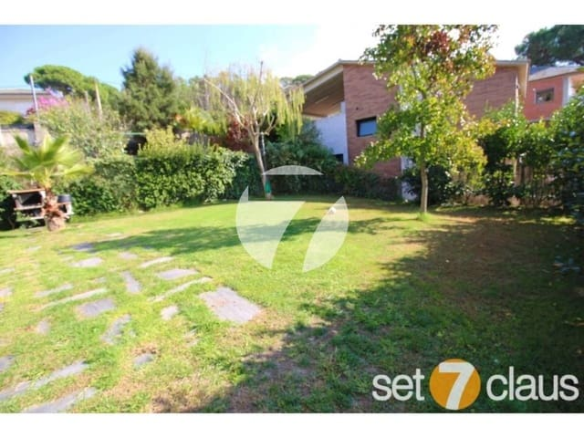 4 chambre Villa/Maison à vendre à Vilanova del Valles avec garage - 460 000 € (Ref: 5385223)