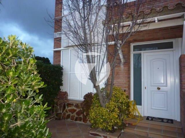 3 chambre Maison de Ville à vendre à Premia de Dalt avec garage - 360 000 € (Ref: 5385241)