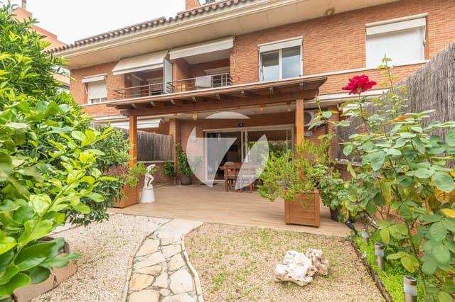 4 sypialnia Dom na sprzedaż w Vilassar de Mar z basenem garażem - 775 000 € (Ref: 5661929)